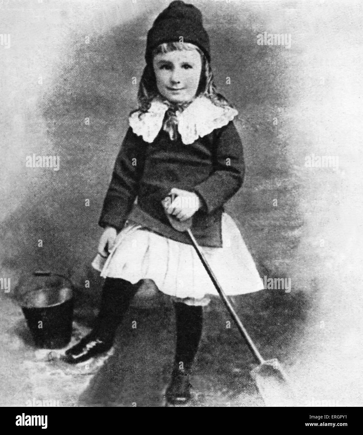 Roosevelt Posen mit Eimer und Spaten im Alter von drei Jahren. FDR: 32. Präsident der Vereinigten Staaten Stockbild
