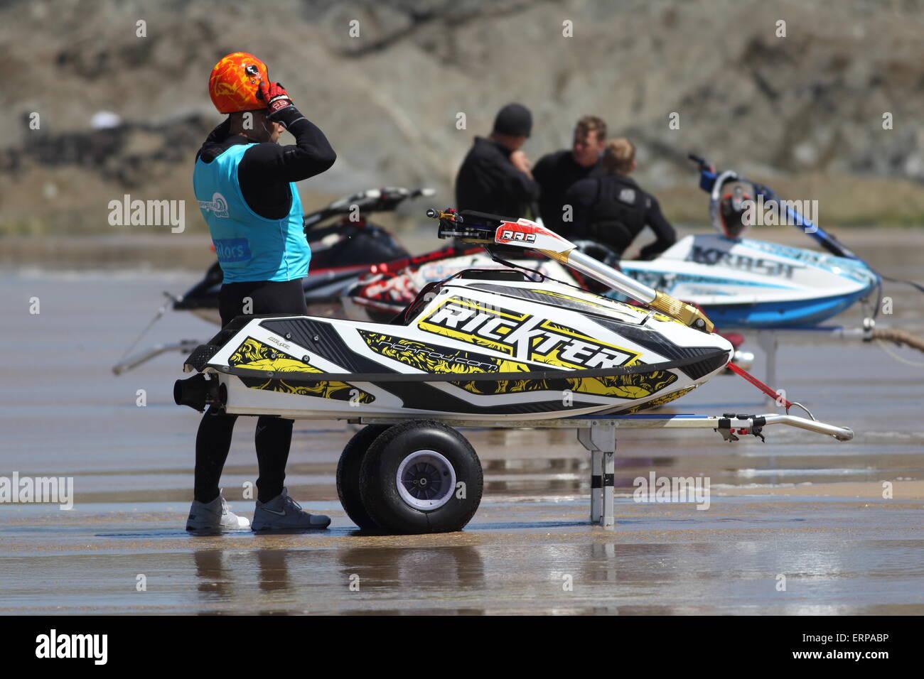 Fistral Strand, Newquay, Cornwall, UK. 6. Juni 2015. Professionelle Jestski Fahrer konkurrieren bei der IFWA Tour Stockbild