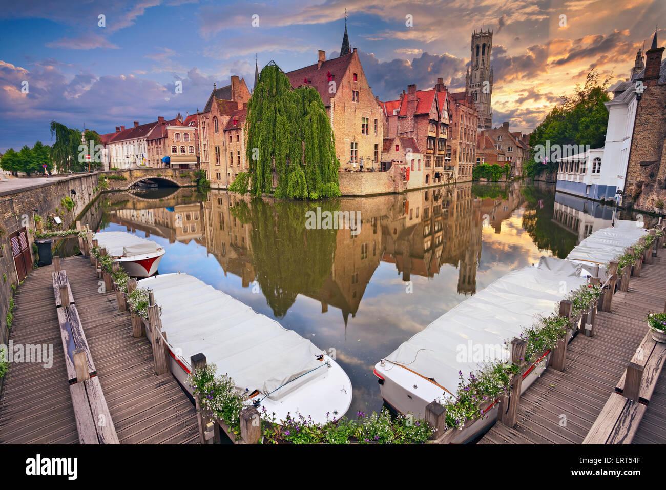 Brügge. Bild des berühmten meistfotografierte Ort in Brügge, Belgien während dramatischen Sonnenuntergang. Stockbild