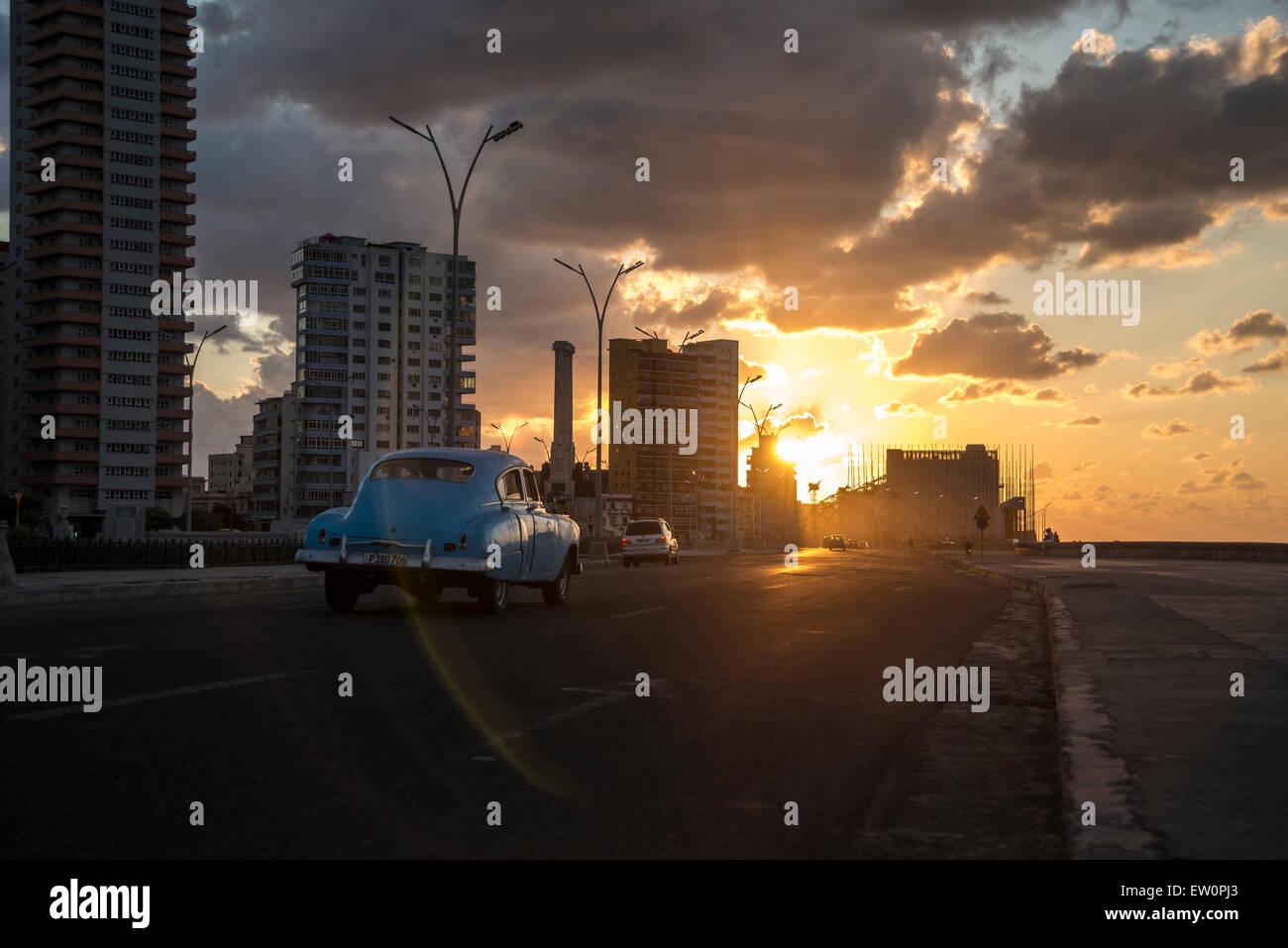 Sonnenuntergang am Malecon Stockbild