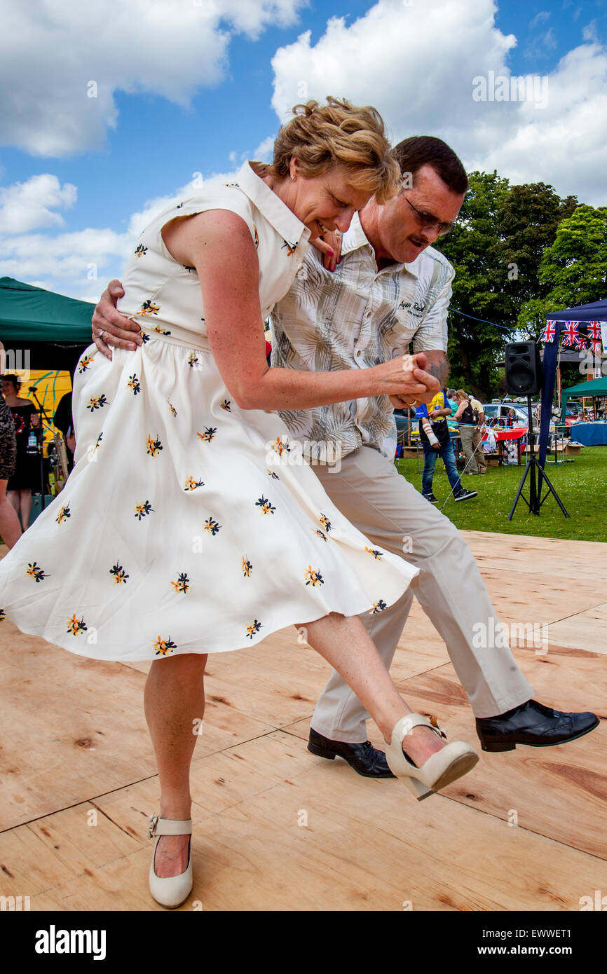 P J-Tanz-Club führen Sie an der jährlichen Nutley Village Fete, Nutley, Sussex, UK Stockbild