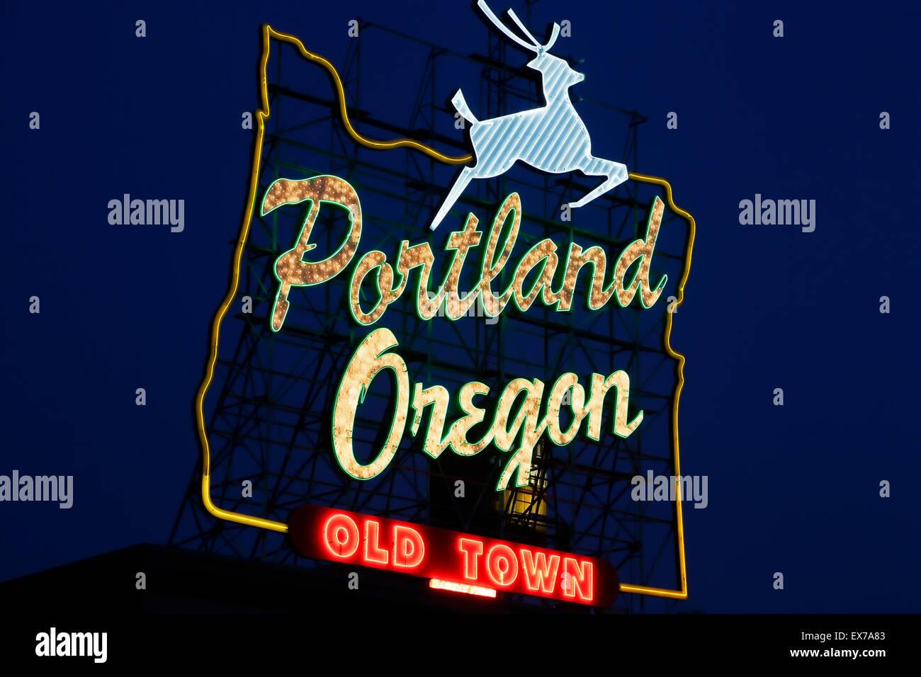 """Portland Oregon Altstadt Leuchtreklame, Portland, Oregon, USA Stockbild"