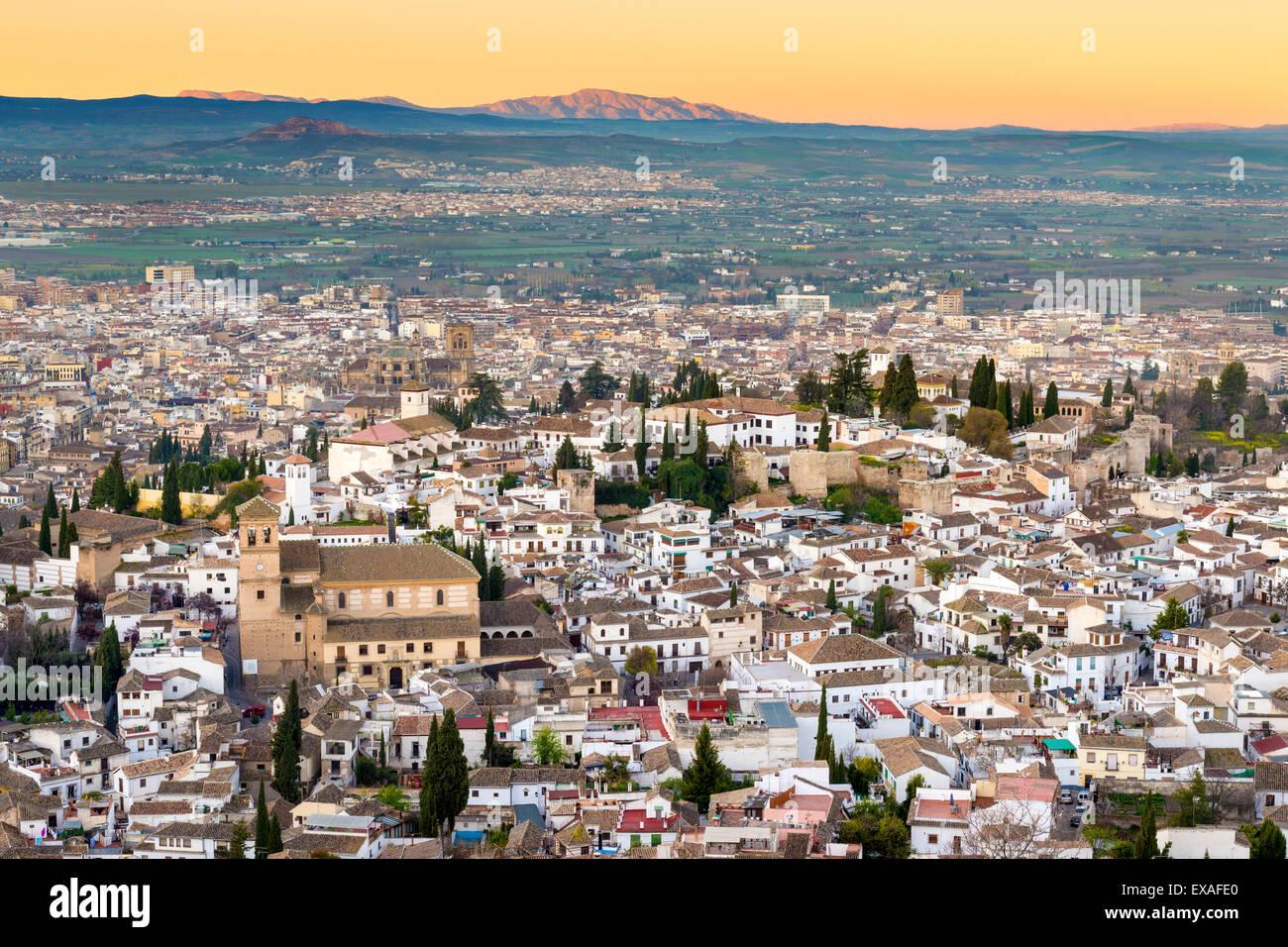 Stadtbild von Granada mit der Iglesia del Salvador, Granada, Andalusien, Spanien, Europa Stockbild