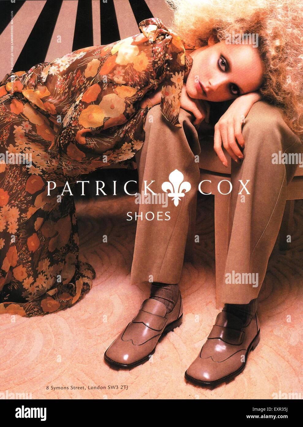 1990er Jahre UK Patrick Cox Magazin Anzeige Stockbild