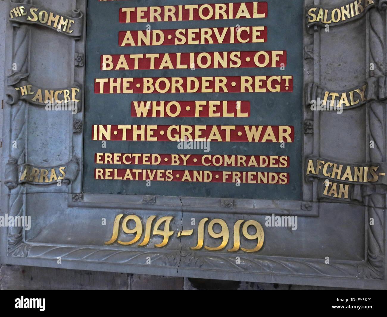 Laden Sie dieses Alamy Stockfoto Stein-Denkmal in Carlisle Kathedrale, 1914-1919, Cumbria, England, UK - EY3KP1