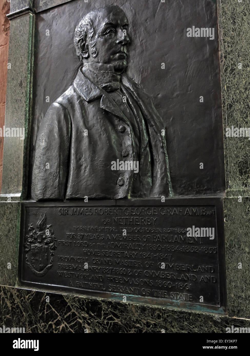 Laden Sie dieses Alamy Stockfoto 1860 Sir James Graham von John Tweed, Carlisle Kathedrale, Cumbria, England, UK - EY3KP7