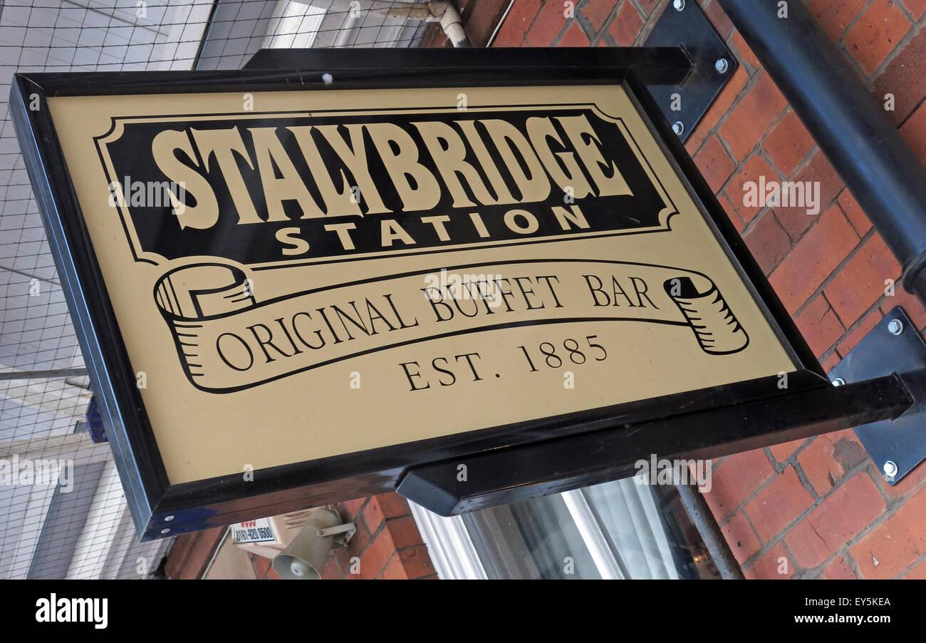 Laden Sie dieses Alamy Stockfoto Stalybridge Station Original Buffet Bar, est 1885, Transpennine Aletrail, Tameside, Greater Manchester, England, UK - EY5KEA
