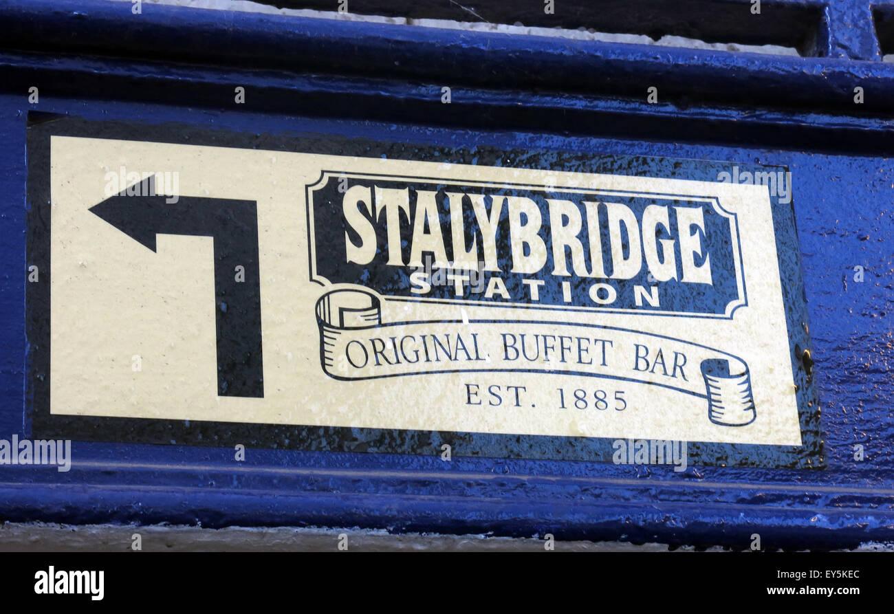 Laden Sie dieses Alamy Stockfoto Stalybridge Station Original Buffet Bar, est 1885, Transpennine Aletrail, Tameside, Greater Manchester, England, UK - EY5KEC