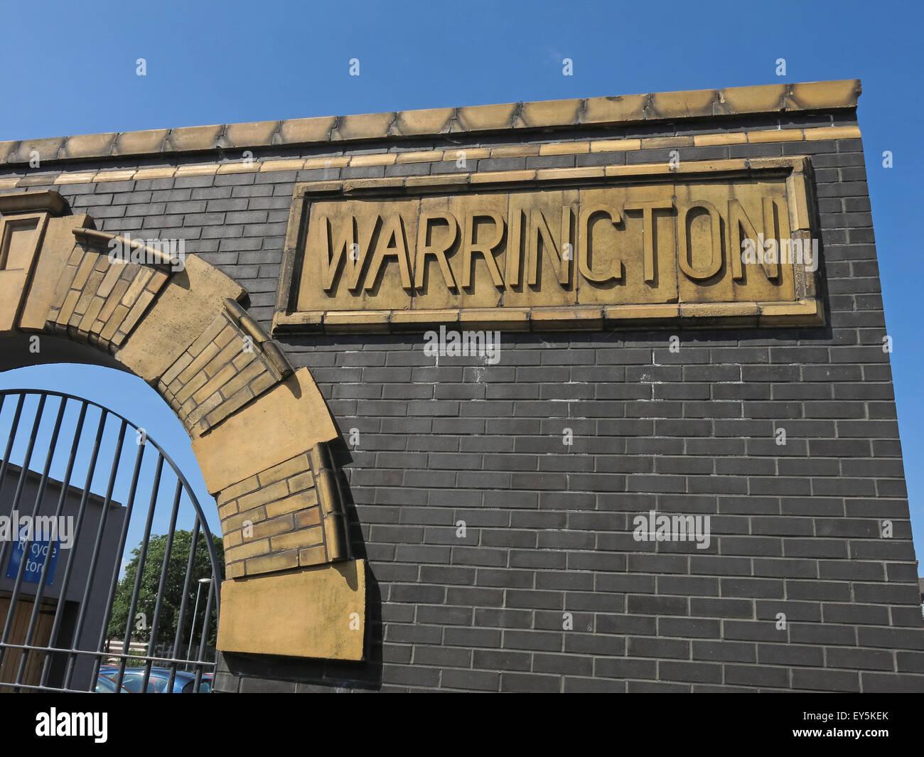 Laden Sie dieses Alamy Stockfoto Bad St, Warrington Hospitals NHS Trust, Cheshire, England, Vereinigtes Königreich - EY5KEK