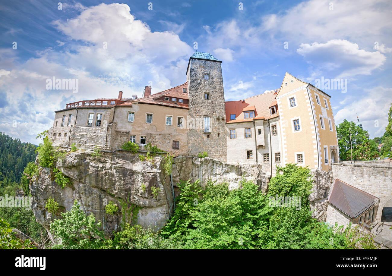 Fisheye-Objektiv Foto der Burg Hohnstein in der sächsischen Schweiz, Deutschland. Stockbild