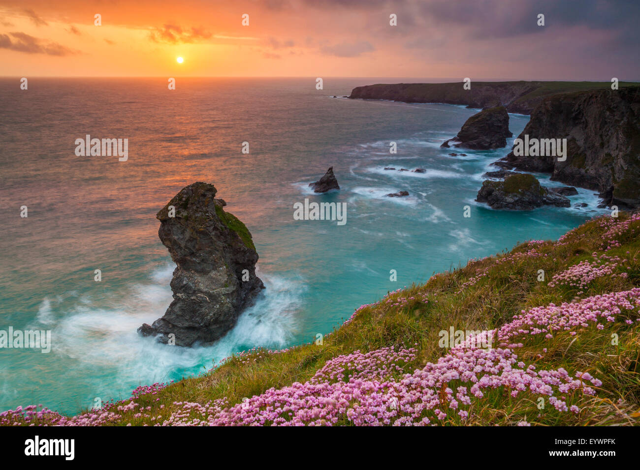 Bedruthan Steps, Newquay, Cornwall, England, Vereinigtes Königreich, Europa Stockbild
