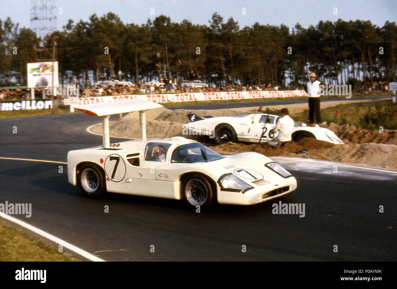 24-Stunden-Rennen von Le Mans 11. Juni 1967. Mike Spence, Phil Hill Chaparral 2F. Stockbild