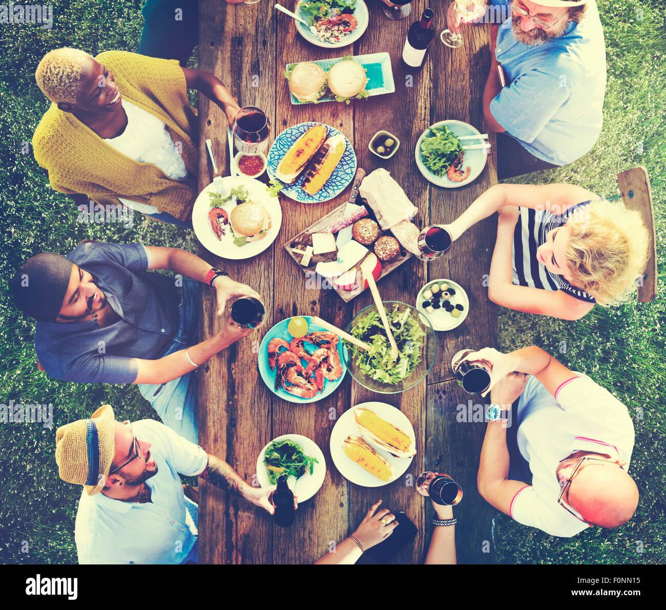 Freunde Freundschaft Außengastronomie Menschen Konzept Stockbild