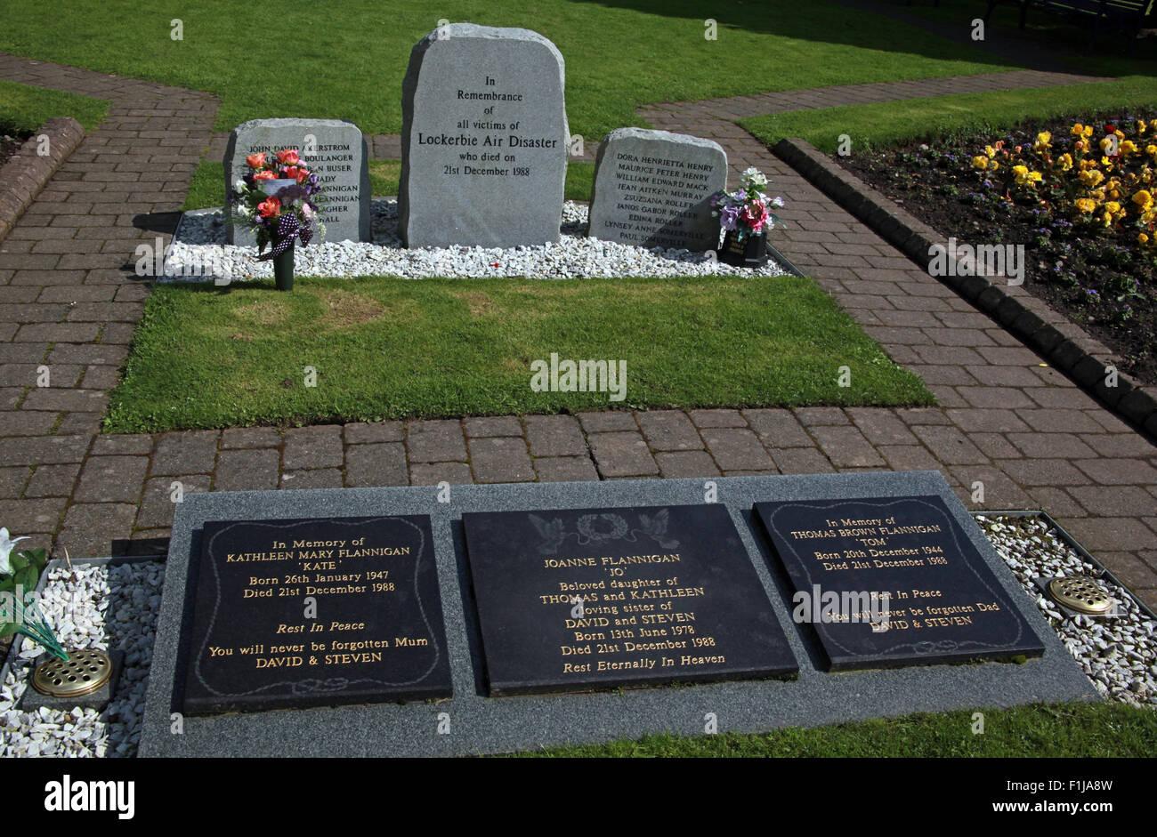 Laden Sie dieses Alamy Stockfoto Lockerbie PanAm103 In Erinnerung Memorial Steinen Flannigan, Schottland - F1JA8W