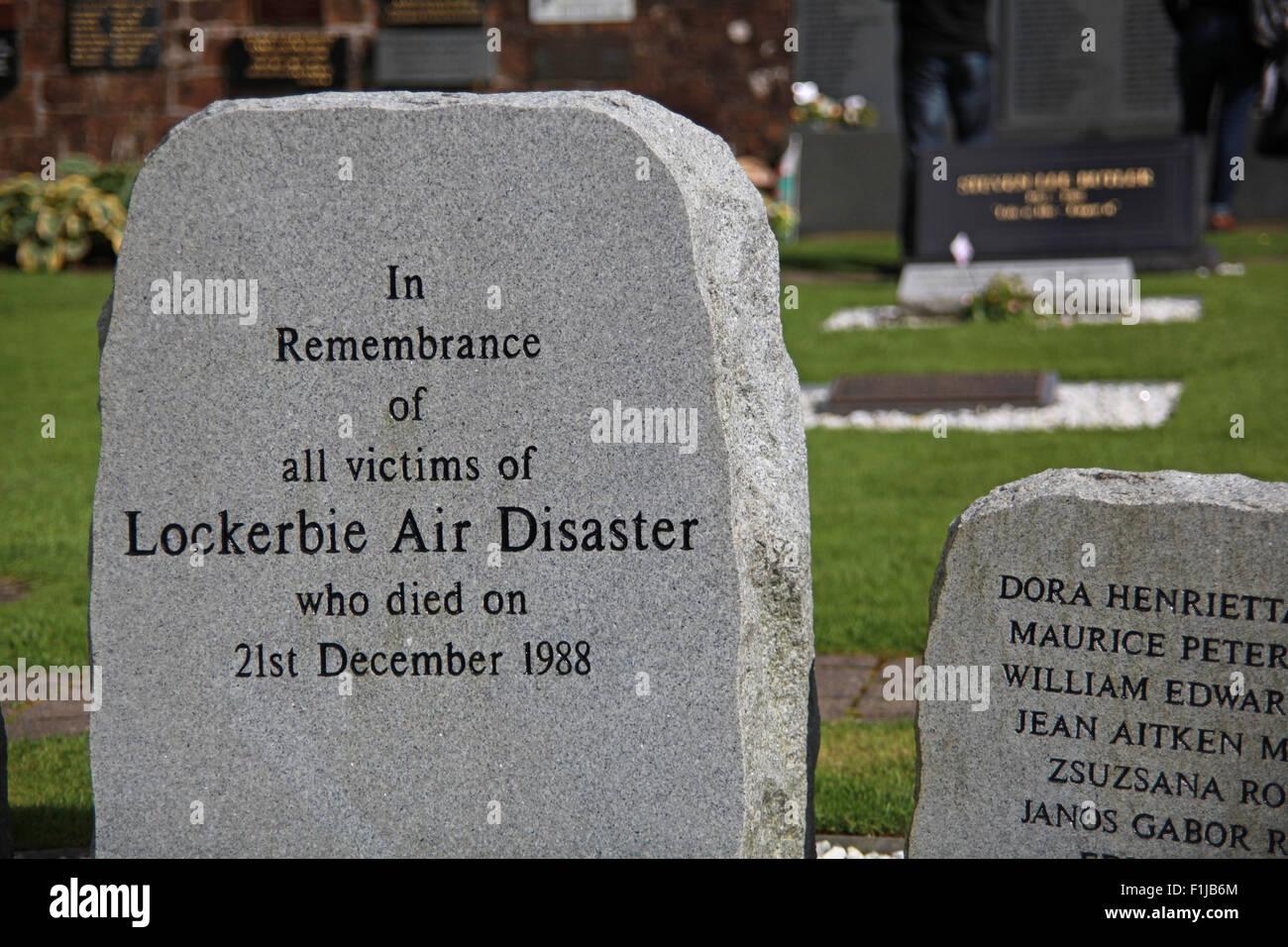 Laden Sie dieses Alamy Stockfoto Lockerbie PanAm103 In Erinnerung Memorial Stone, Schottland, Großbritannien - F1JB6M
