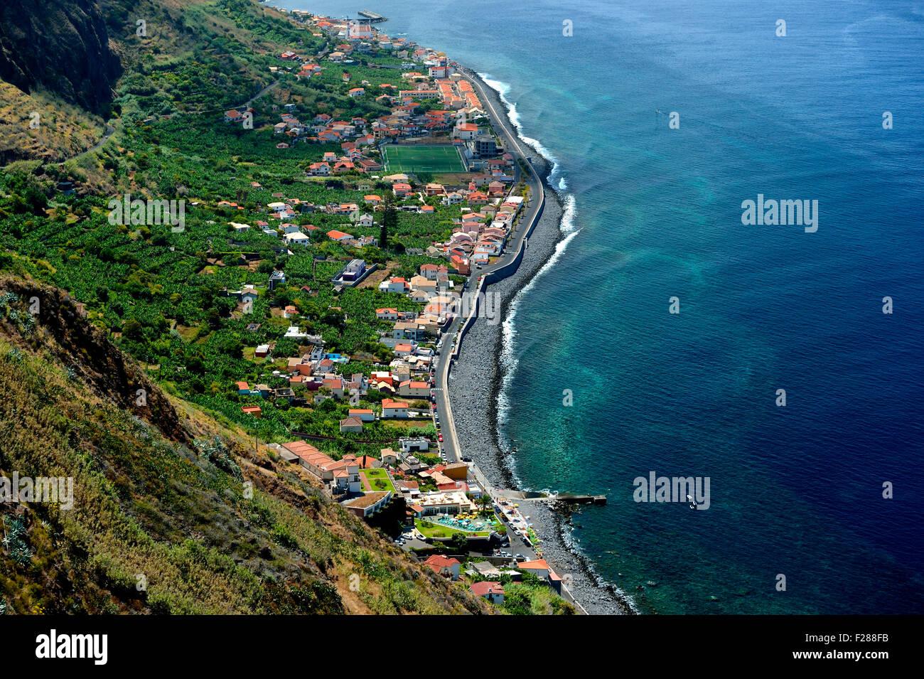 Blick auf Paul Do Mar, Westküste, Madeira, Portugal Stockbild