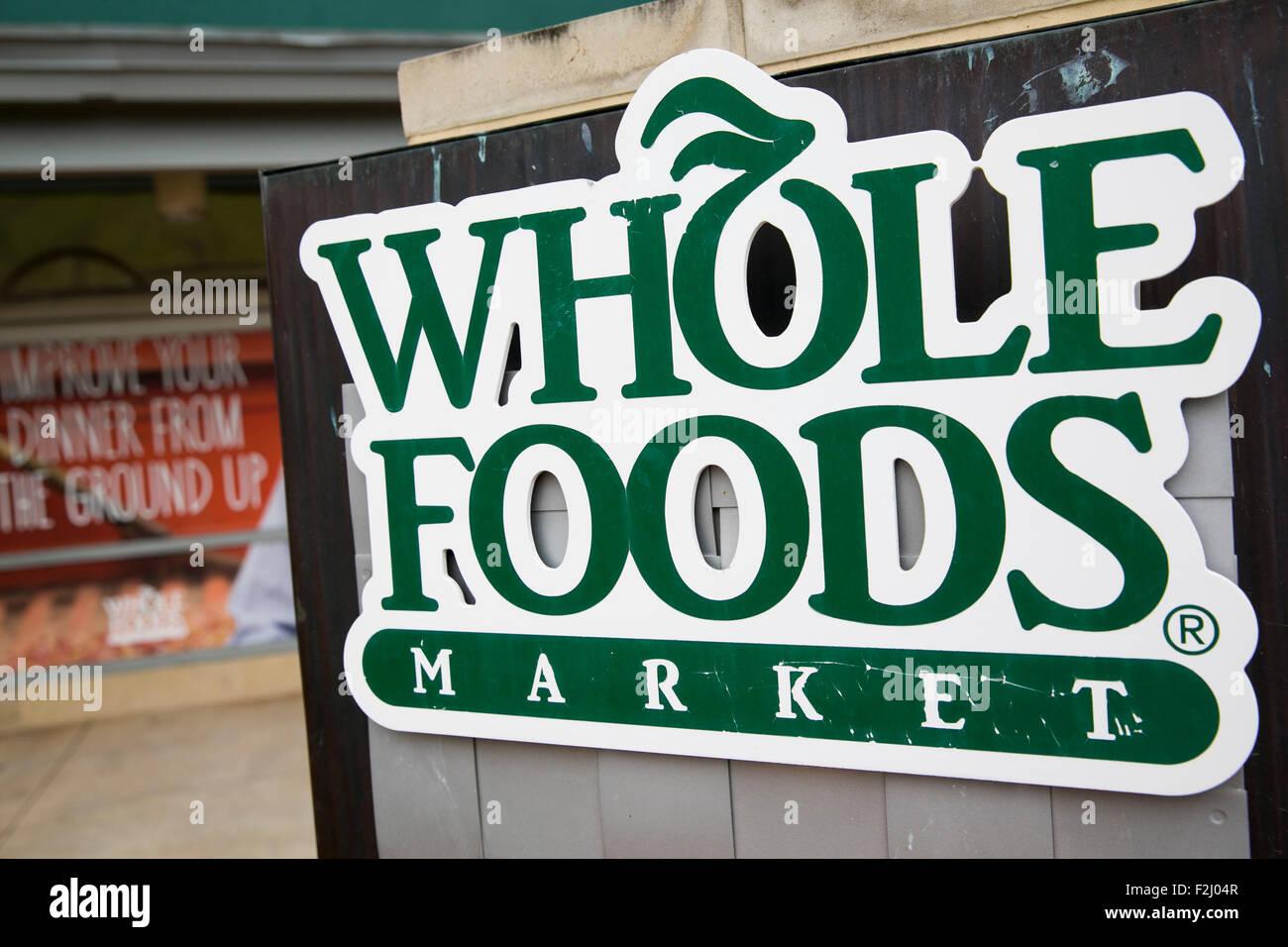 Ein Logo Zeichen außerhalb der zentrale und einem Speicherort der ganze Foods Market Inc. in Austin, Texas Stockbild