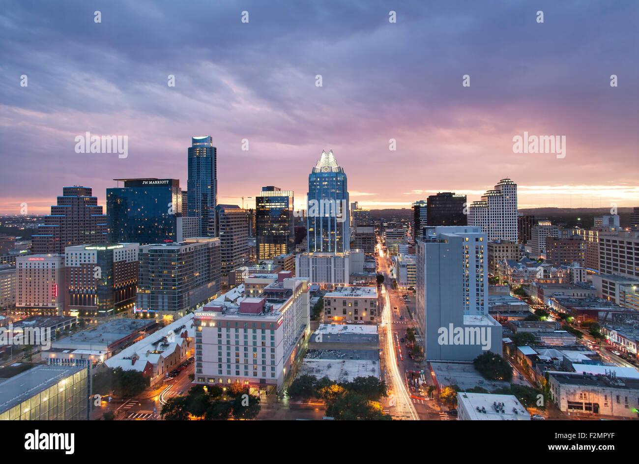 Skyline von Austin in der Dämmerung Stockbild