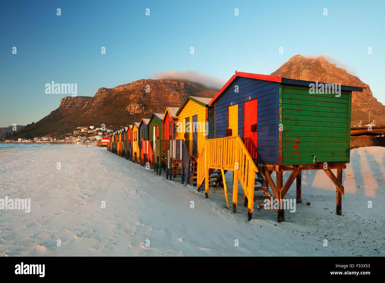 Strandhütten in Muizenberg, Western Cape, Südafrika Stockbild