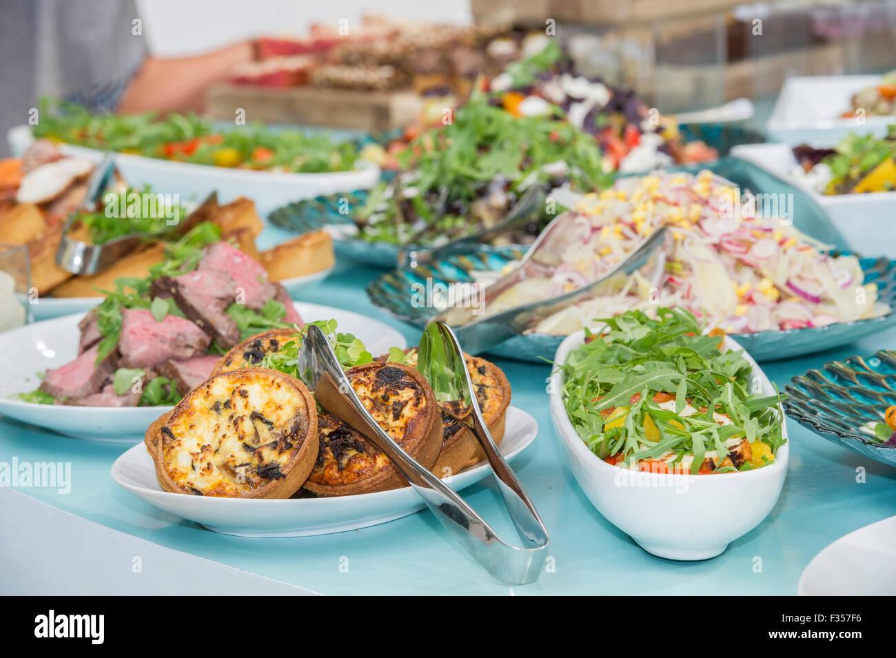 Schöne Essen am buffet Stockbild