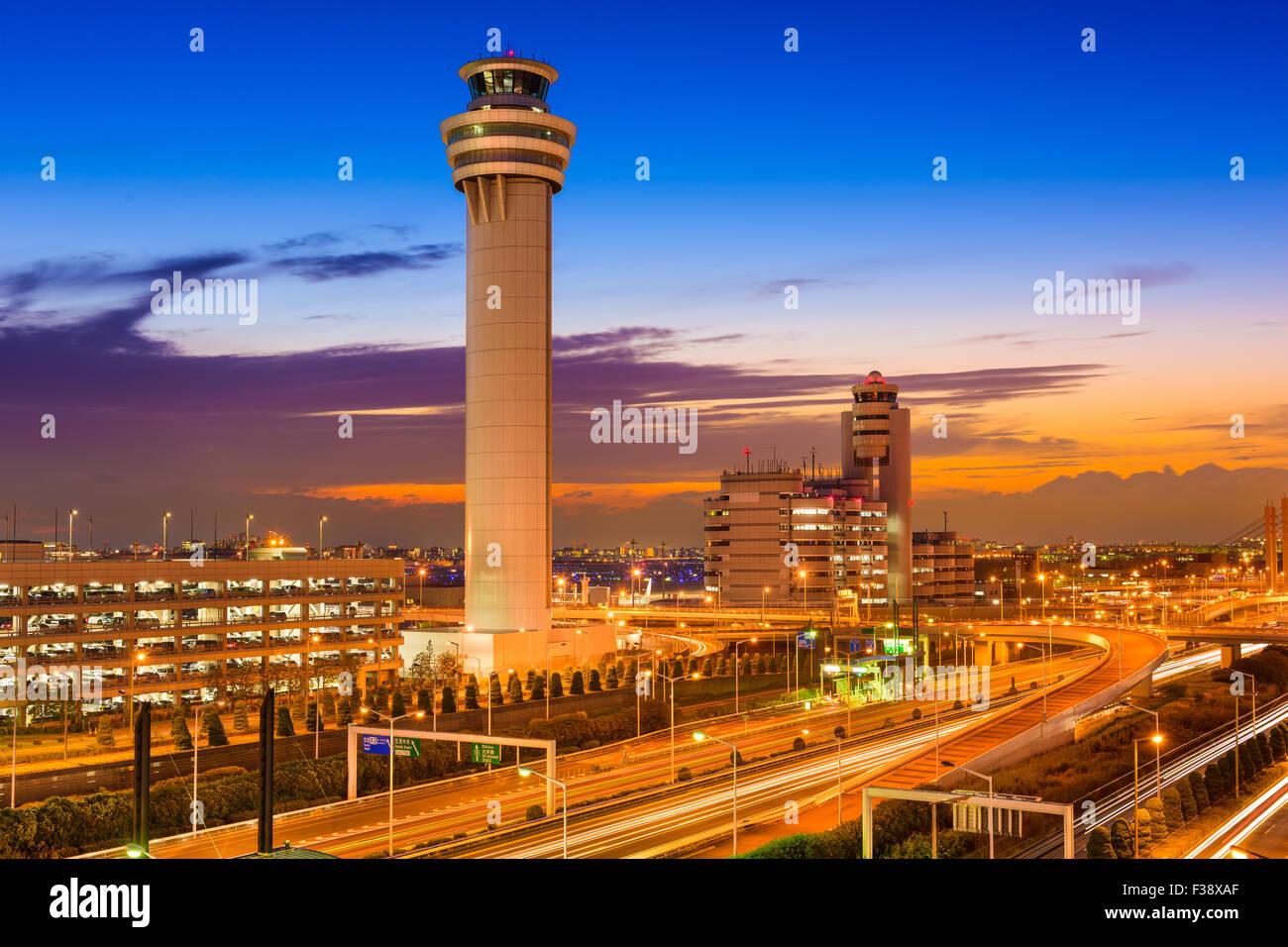 Kontrollturm Flughafen Tokio-Haneda in Tokio, Japan. Stockbild