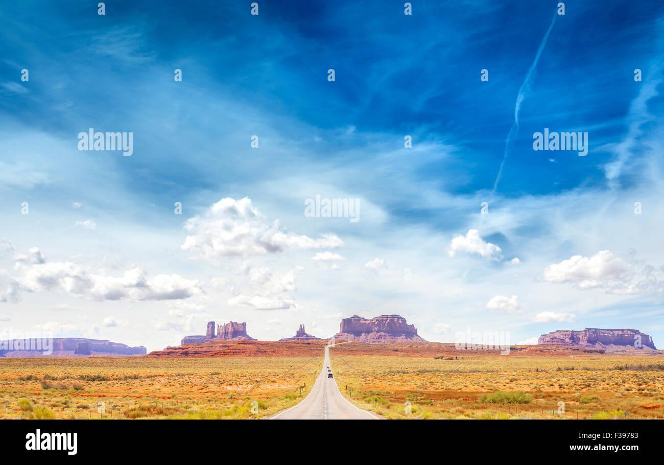 Landstraße nach Monument Valley, USA. Stockbild