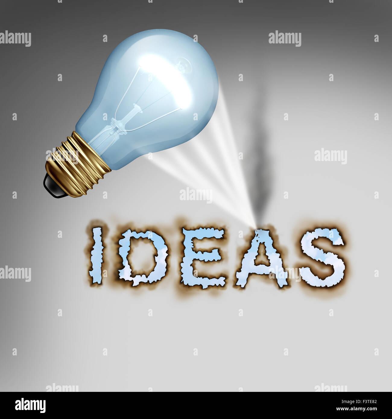 Idee Konzept kreative Symbol mit einer Glühbirne, die brennenden Buchstaben als Metapher für die Energie Stockbild