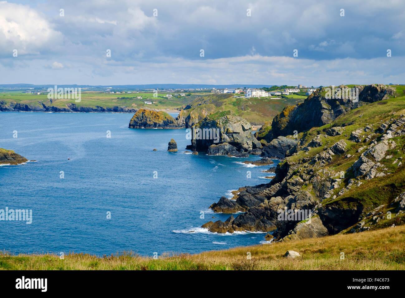 Ansicht der kornischen Küste von South West Coast Path an Pfosten, Lizard Halbinsel, Cornwall, England, UK Stockbild