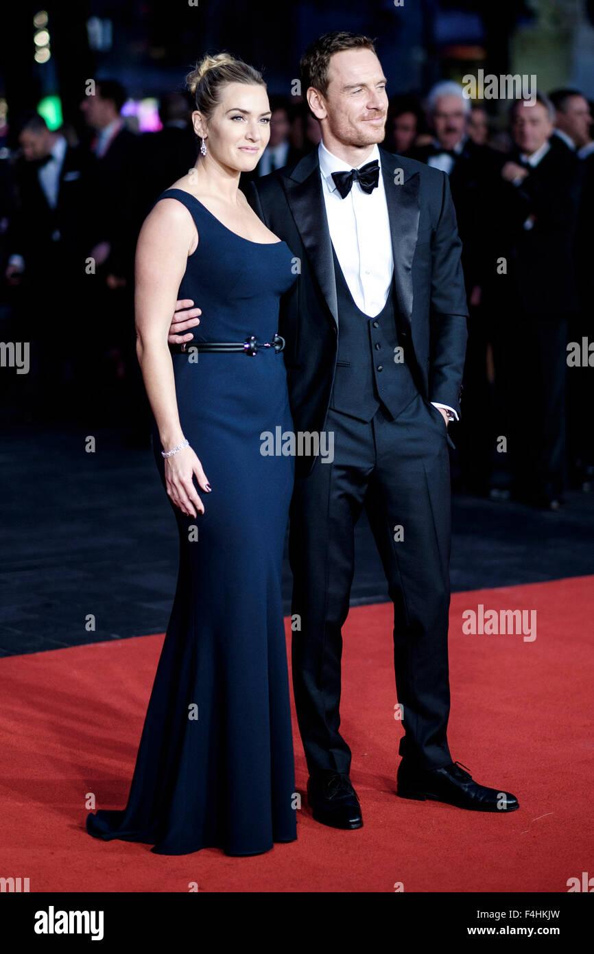Kate Winslet und Michael Fassbender kommt auf dem roten Teppich für das London Film Festival closing Gala Screening Stockbild