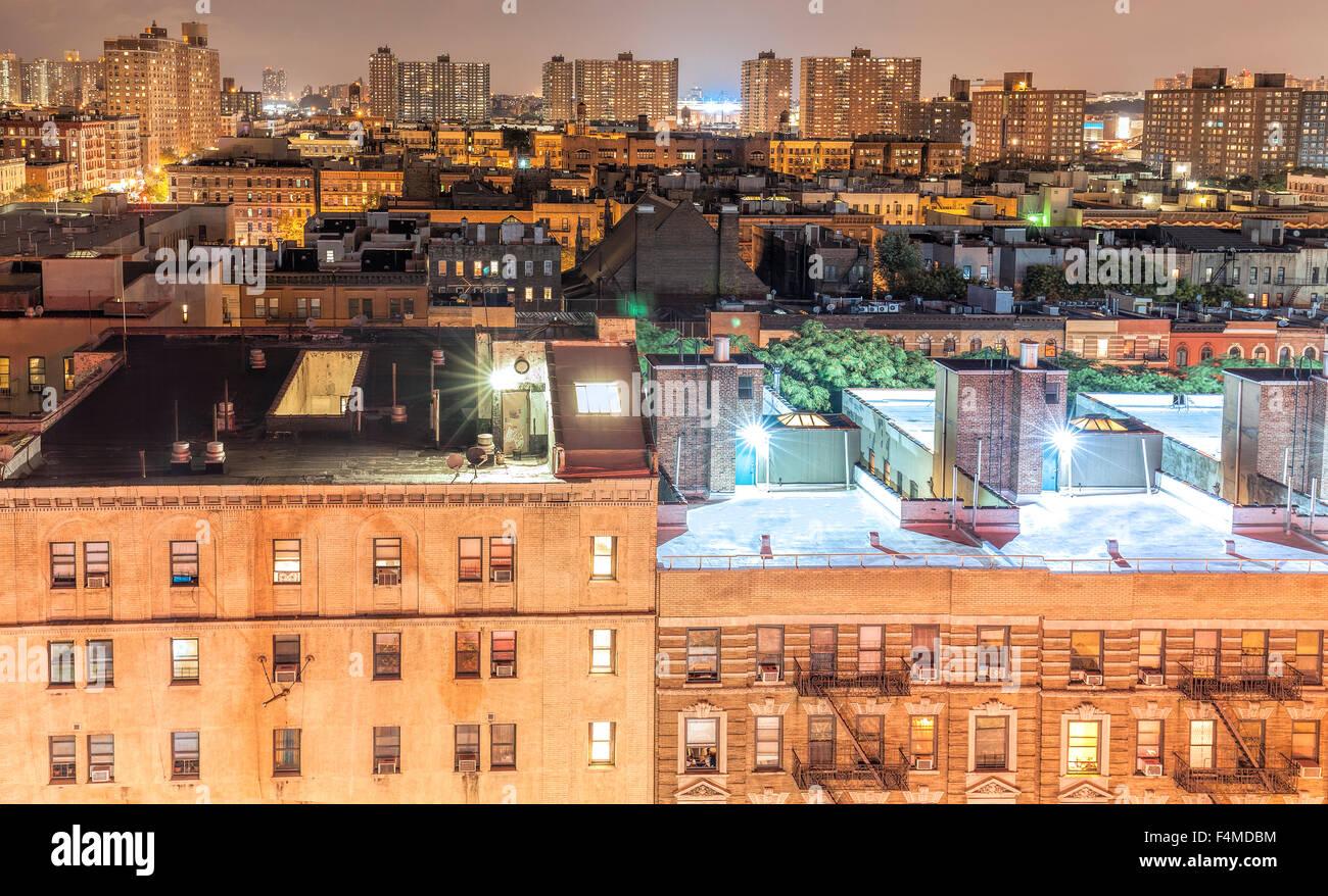 Harlem Nachbarschaft in der Nacht, New York City, USA. Stockbild