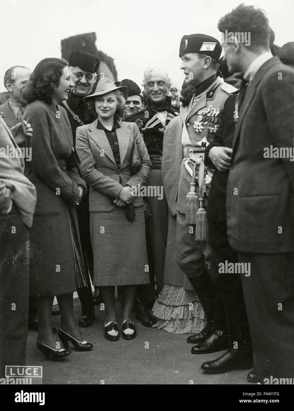 Faschistischen und junge Frauen in der Mode der 30er Jahre, Italien Stockbild