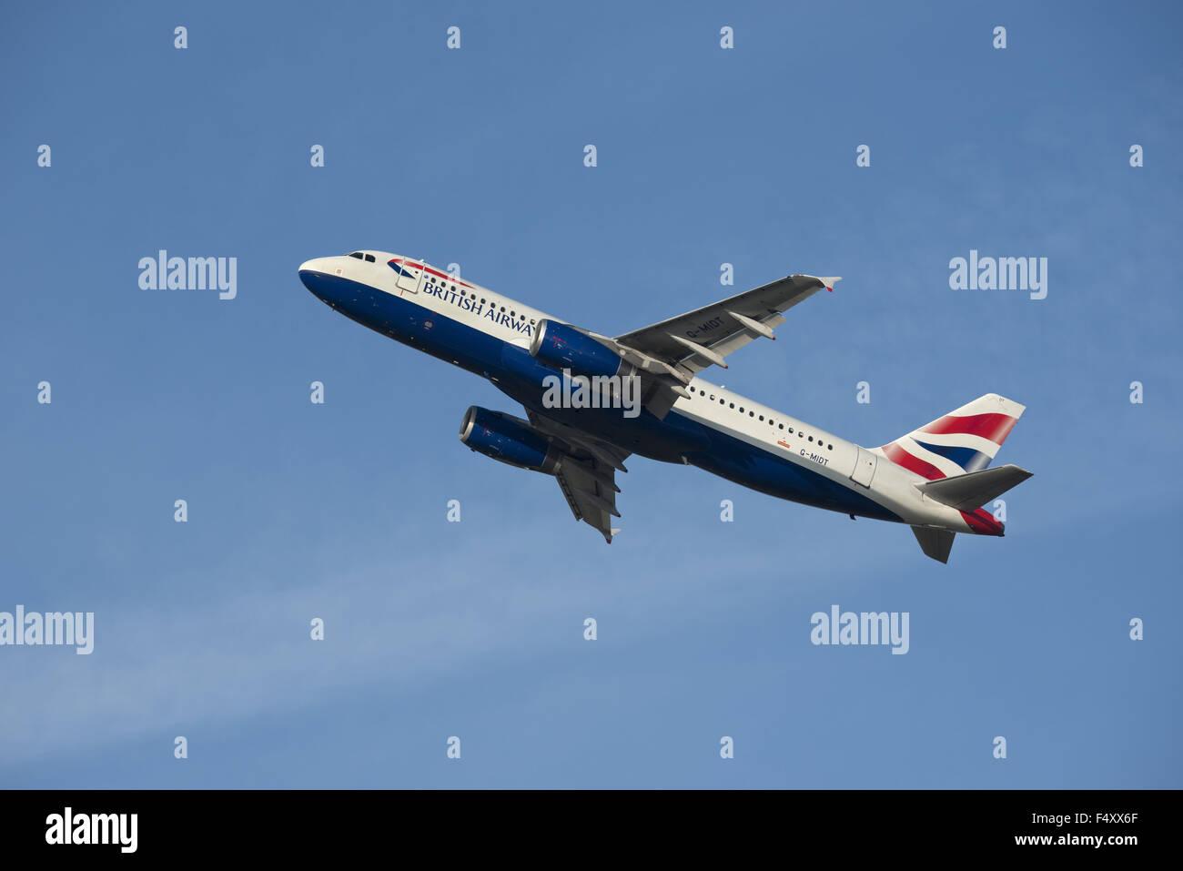 British Airways Airbus A320-232, Klettern Stockbild
