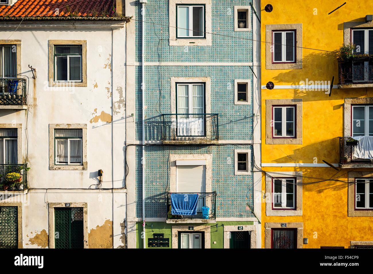 Detail der Fassade des alten Gebäuden in der Alfama, Lissabon, Portugal Stockbild