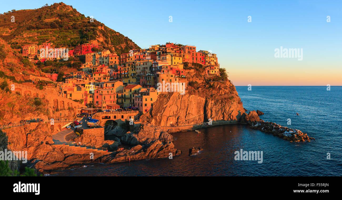 Manarola ist eine Stadt und Gemeinde in der Provinz La Spezia, Ligurien, Nordwest-Italien. Stockbild