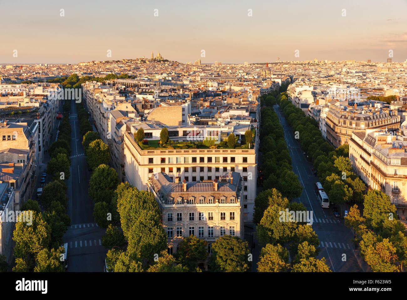 Zentrum von Paris, am späten Nachmittag Wege Hoch und de Friedland am Ende des Nachmittags im 8. Arrondissement. Stockbild