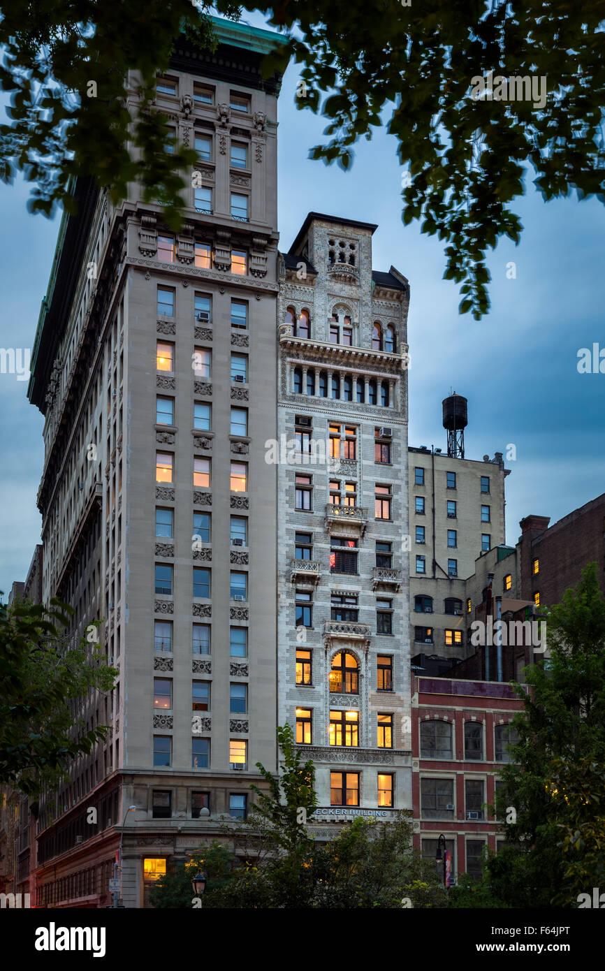 Am frühen Abend Ansicht des Gebäudes Decker und seine komplizierte Terrakotta-Fassade, Union Square, Manhattan, Stockbild