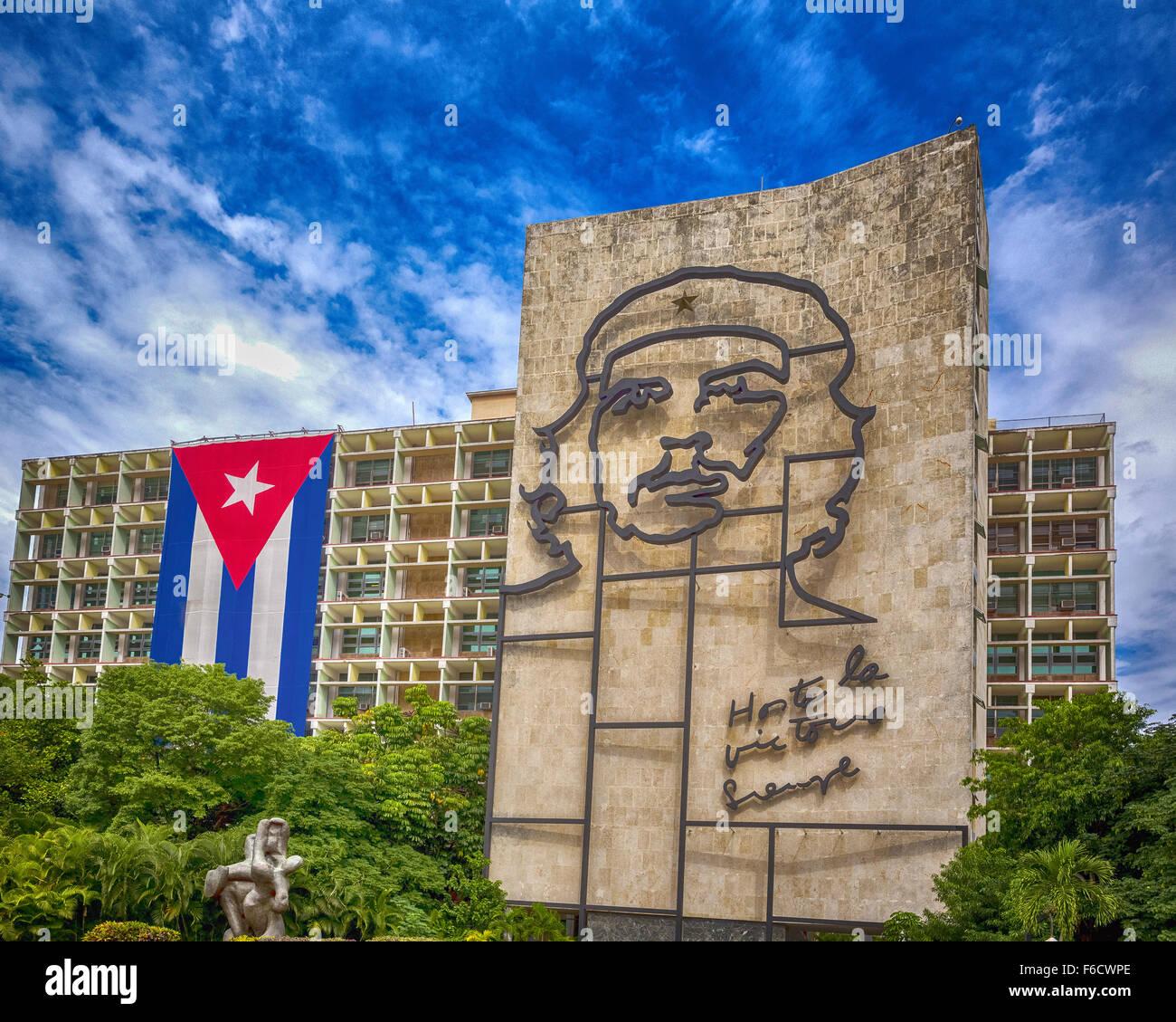 Ernesto Che Guevara als eine Art Installation und Propaganda Kunstwerk an der Wand auf dem Platz der Revolution Stockbild