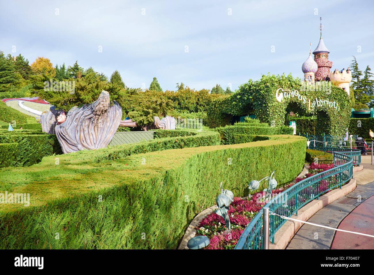 Eingang zum Alice es Curious Labyrinth im Fantasyland Disneyland Paris Marne-la-Vallée Chessy Frankreich Stockbild