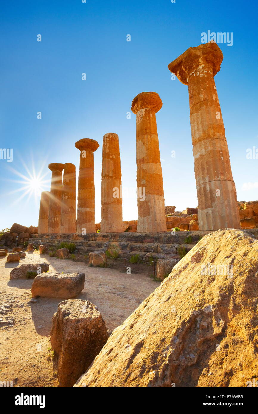 Tal der Tempel (Valle dei Templi), UNESCO Herkules-Tempel (Tempio di Eracle) Agrigento, Sizilien, Italien Stockbild