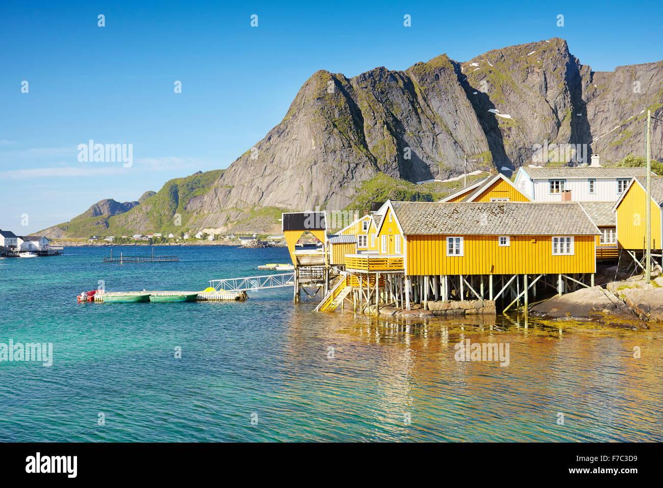 Traditionelle Fischer Häuser Rorbu, Lofoten Inseln, Norwegen Stockbild