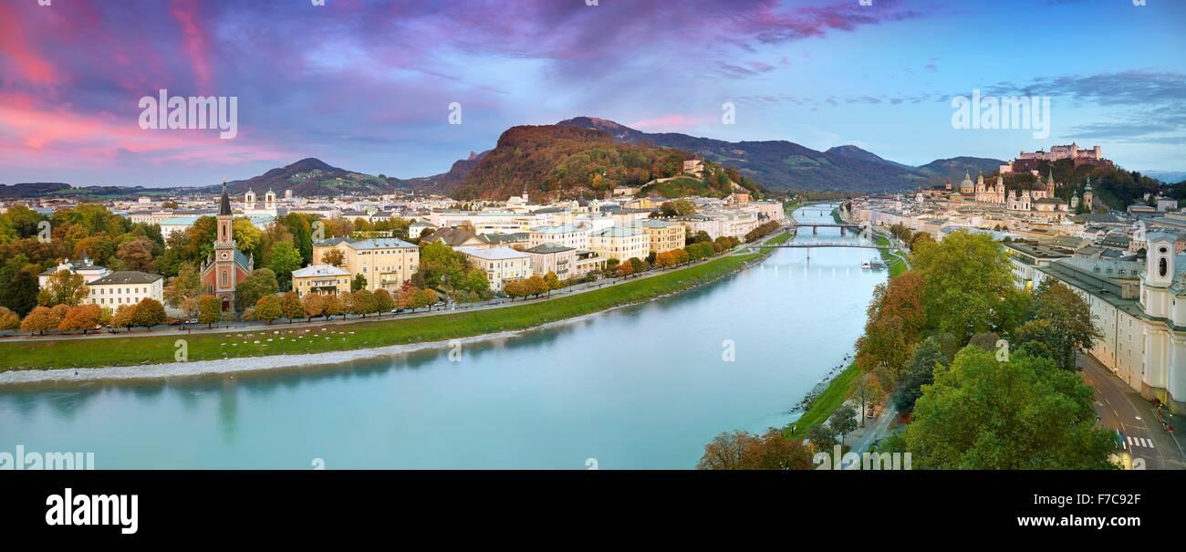 Panoramische Luftaufnahme der Stadt Salzburg, Österreich Stockbild