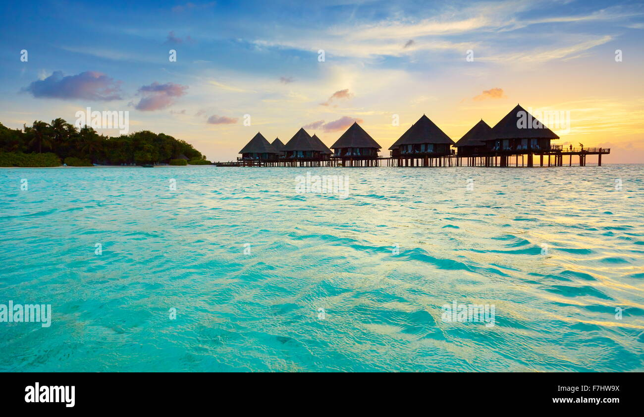 Sonnenuntergang auf den Malediven-Inseln Stockbild