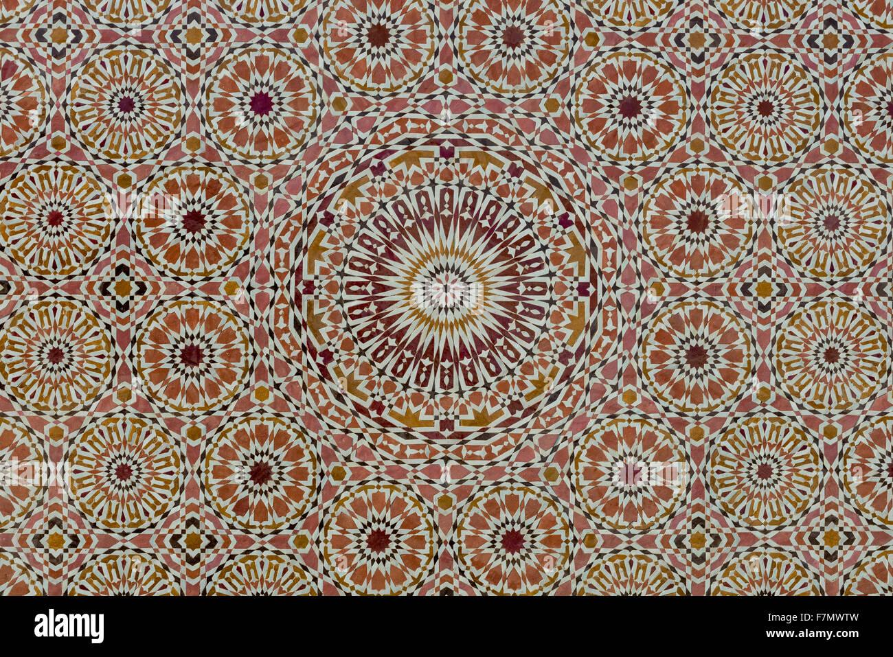 Komplizierten Mosaik gefliest im traditionellen islamischen Stil Stockbild