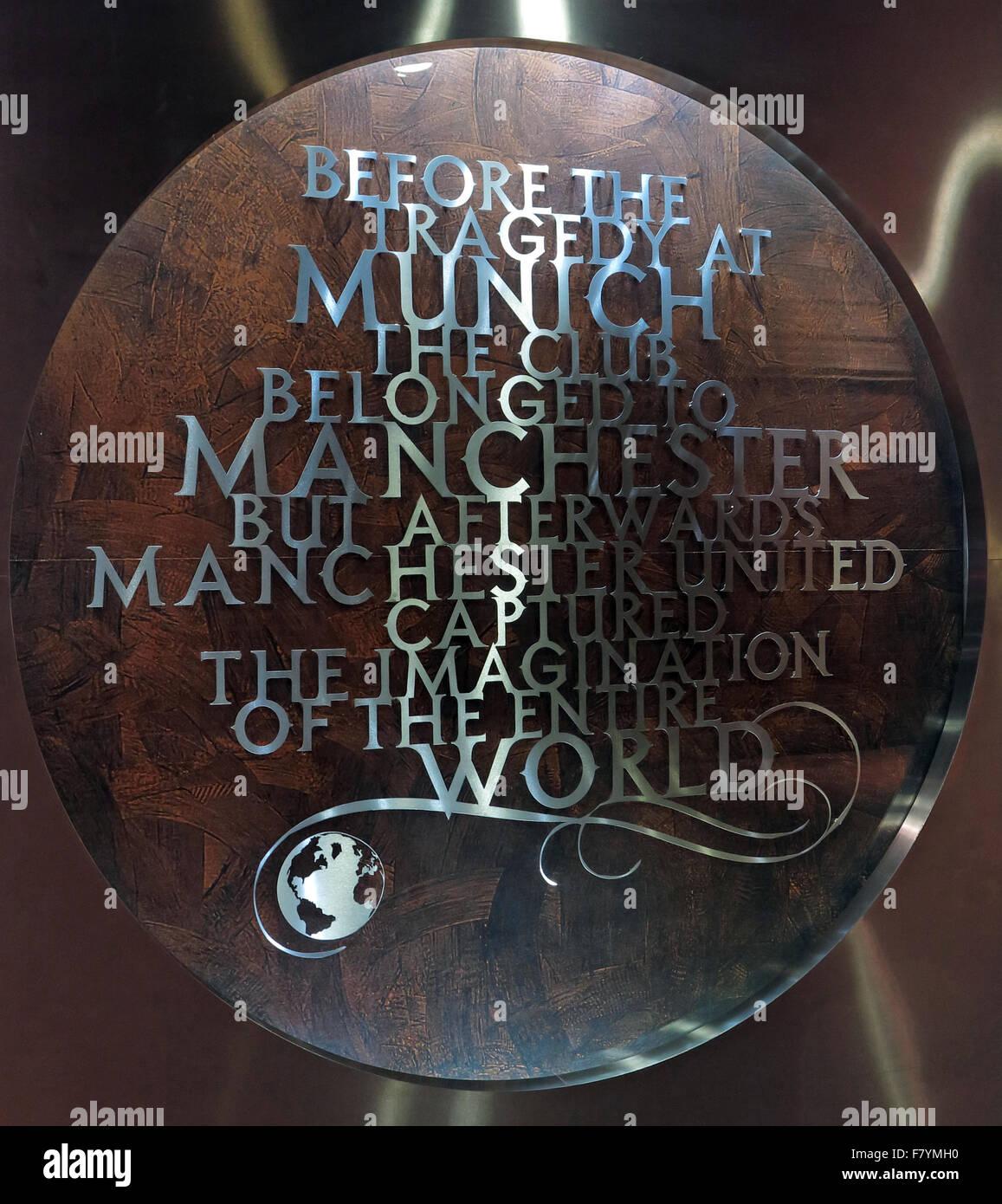 Laden Sie dieses Alamy Stockfoto MUFC, München-Denkmal, Old Trafford, Manchester United, England, UK. Vor der Tragödie in München gehörte der Verein Manchester - F7YMH0