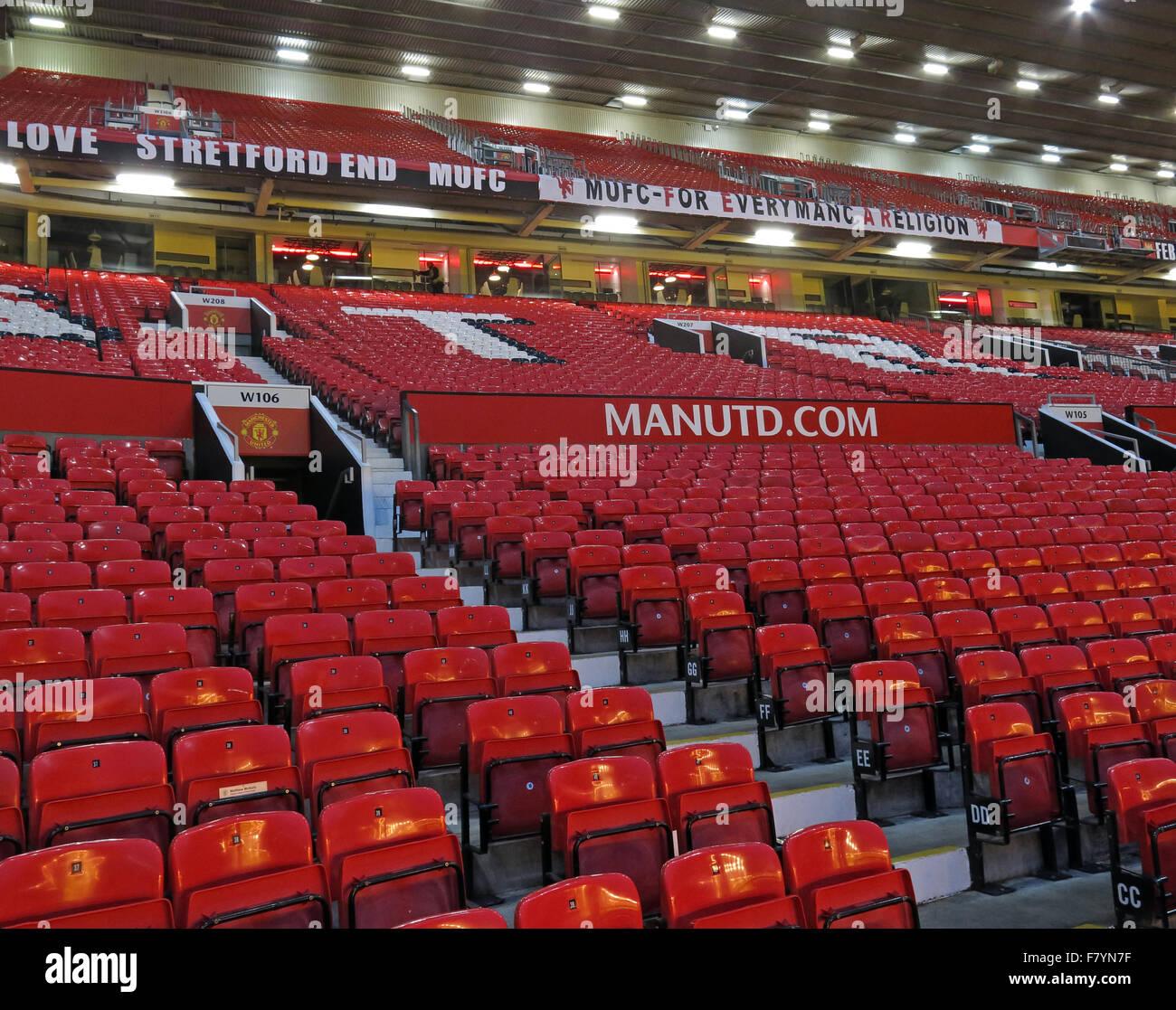 Laden Sie dieses Alamy Stockfoto Manchester United Stretford End, Old Trafford Stadion, MUFC, England, UK - F7YN7F
