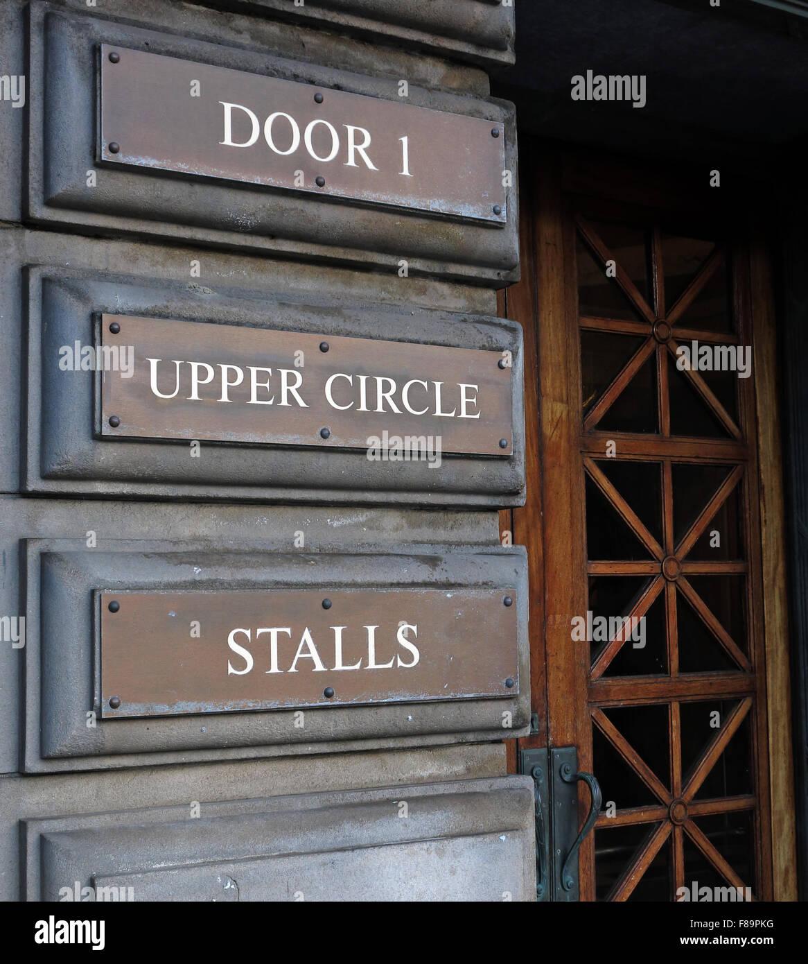 Laden Sie dieses Alamy Stockfoto Usher Hall Tür 1 - Upper Circle, Stände, Lothian Road, Edinburgh, Scotland, UK - F89PKG