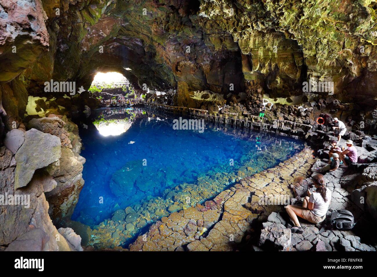 Insel Lanzarote, Jameos del Aqua, unterirdischen See in vulkanischen Höhle, Kanarische Inseln, Spanien Stockbild