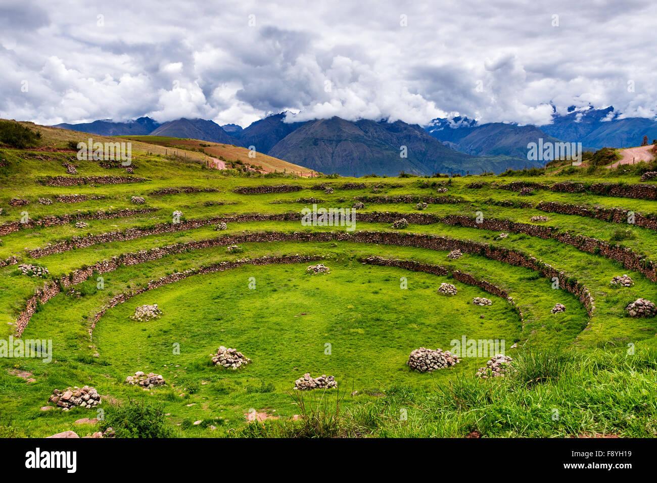 Inca kreisförmige Terrassen in Moray, in das Heilige Tal in Peru. Muräne ist eine archäologische Stockbild