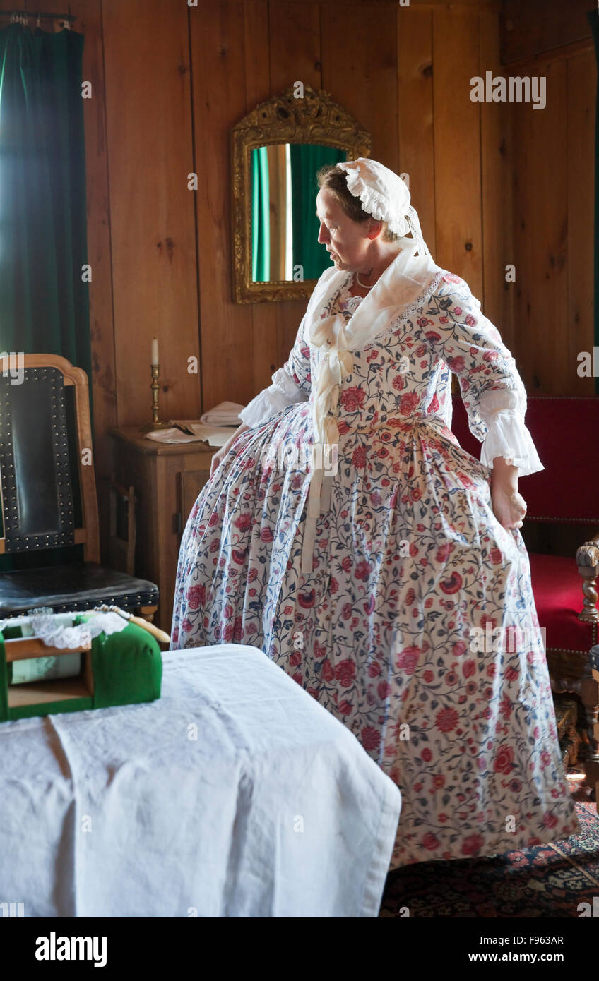 In dieser Reenactment des täglichen Lebens an Festung Louisbourg im 18. Jahrhundert ist eine Frau, die Ehefrau Stockbild