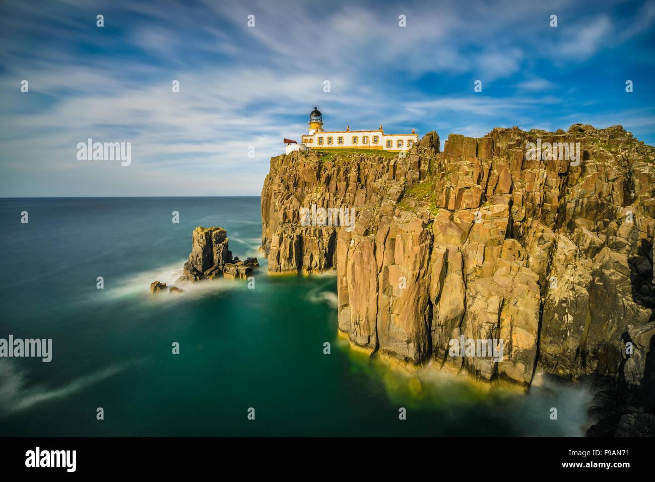 Landschaftlich Point Leuchtturm in Isle Of Skye, schottische Highlands, Vereinigtes Königreich. Langzeitbelichtung Stockbild